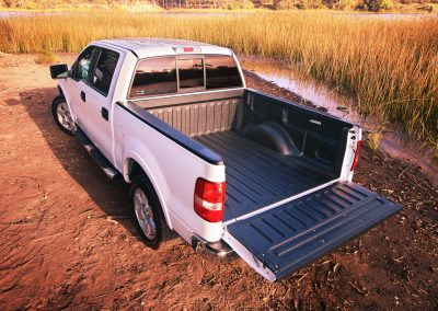 White Truck with bedliner